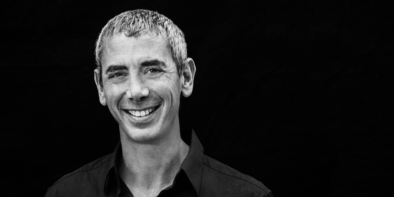 Steven Kotler is a New York Times bestselling author, an award-winning journalist and the co-founder/director of research for the Flow Genome Project. He is one of the world's leading experts on high performance. In this episode, he teaches us about flow.