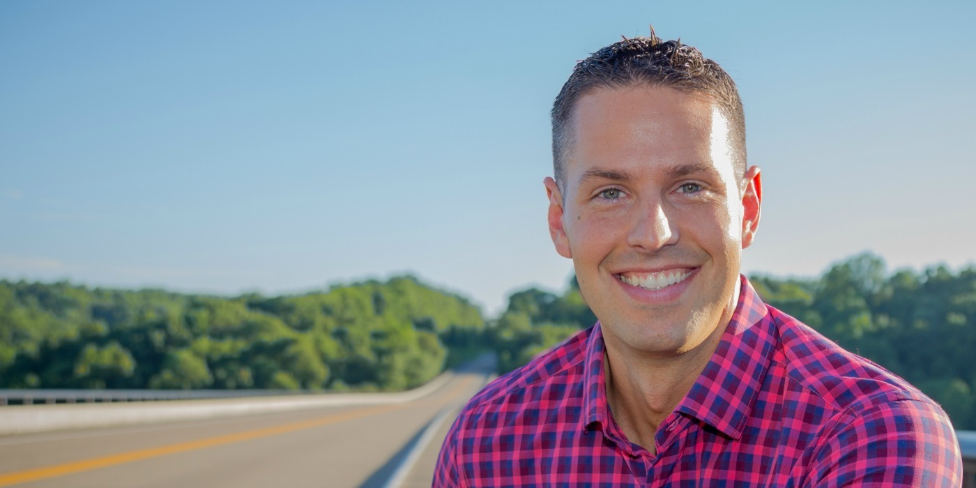 """In this episode with Jeff Sanders, we learn how too much busyness led him to a nervous breakdown and eventually to his newest book, """"The Free-TimeFormula""""."""